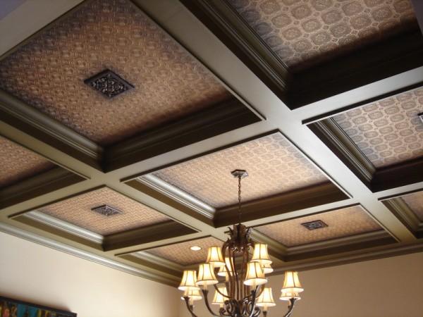 Красиво отделанный потолок