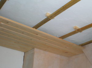 Недоделанный потолок