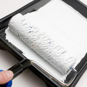 Водоэмульсионная краска для отделки потолка