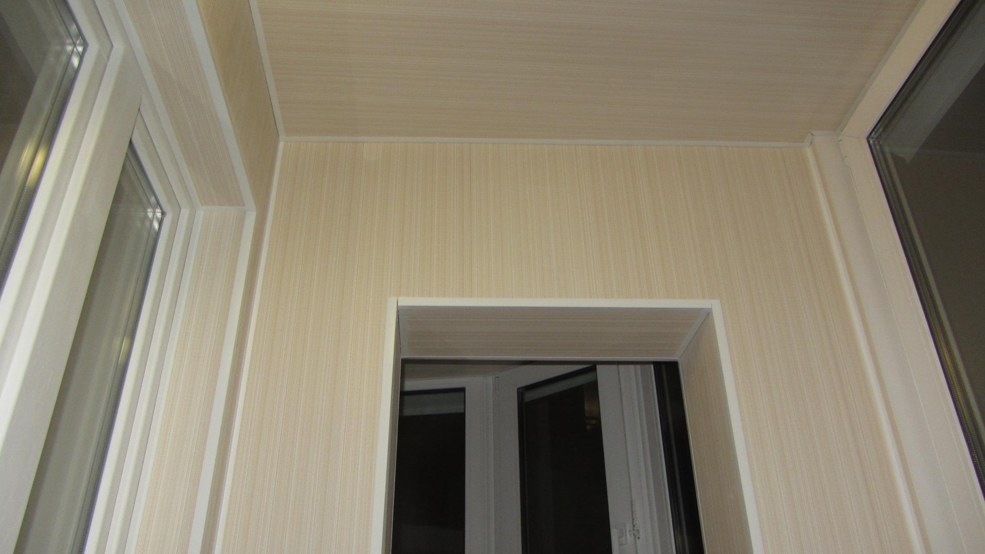 Варианты отделки балкона: плюсы и минусы каждого материала.