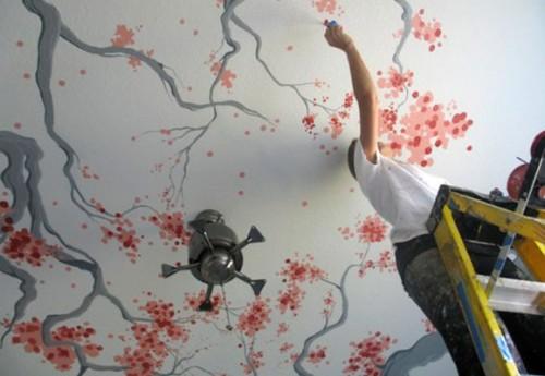 Натяжной потолок в цветах