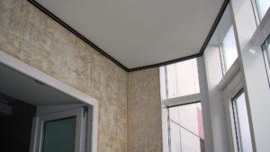 Отделка балкона искусственной штукатуркой