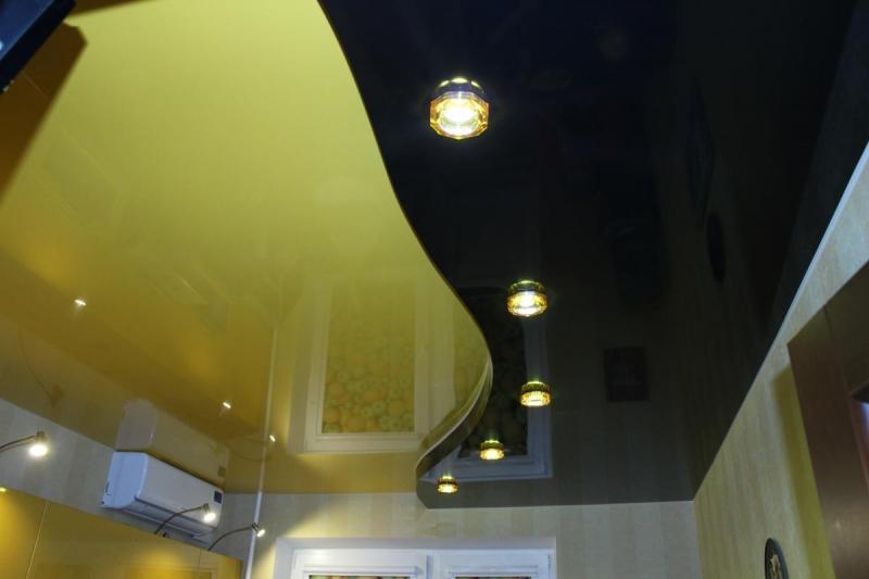 Лампочки в потолке