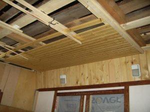 Укладка вагонки на потолок