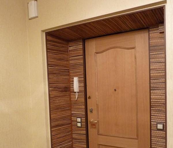 Красивая дверь с откосами
