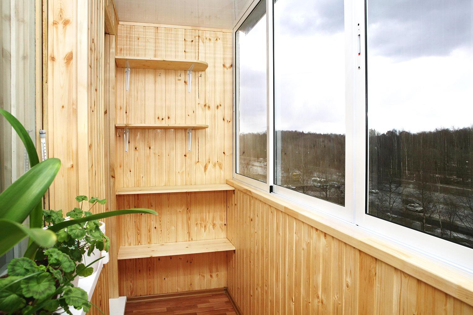 Обшиваем балкон внутри своими руками