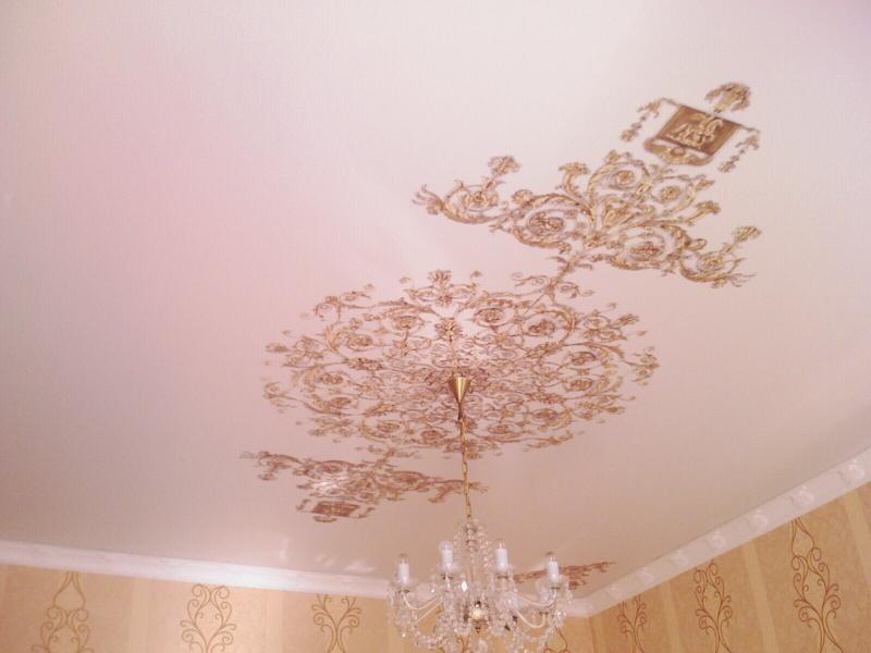 Особенности тканевых натяжных потолков