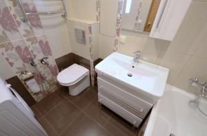 Совмещенная ванная с раковиной